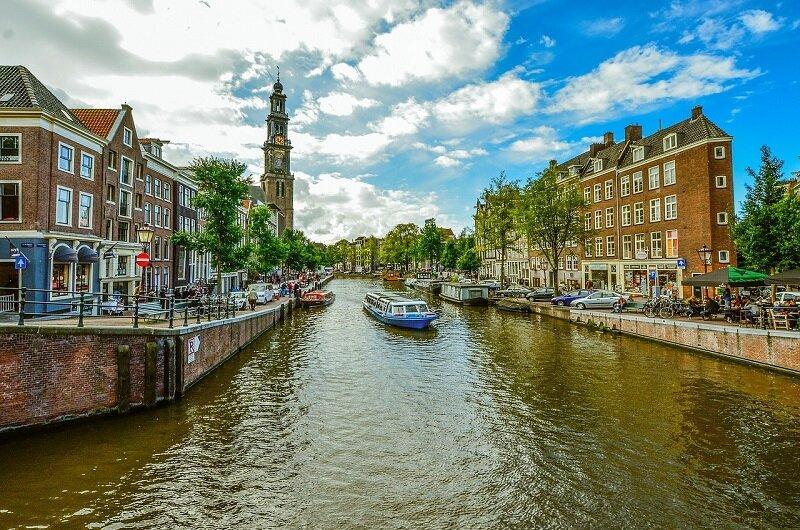 Amsterdam na wakacje autokarem